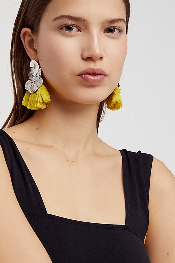 Slide View 3: Pecos Tassel Earring