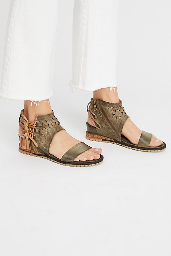 Slide View 2: Petrona Wedge Sandal