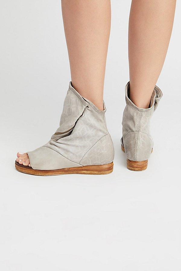 Slide View 4: Brielle Ankle Boot