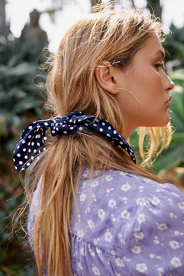 Slide View 1: Milano Scrunchie