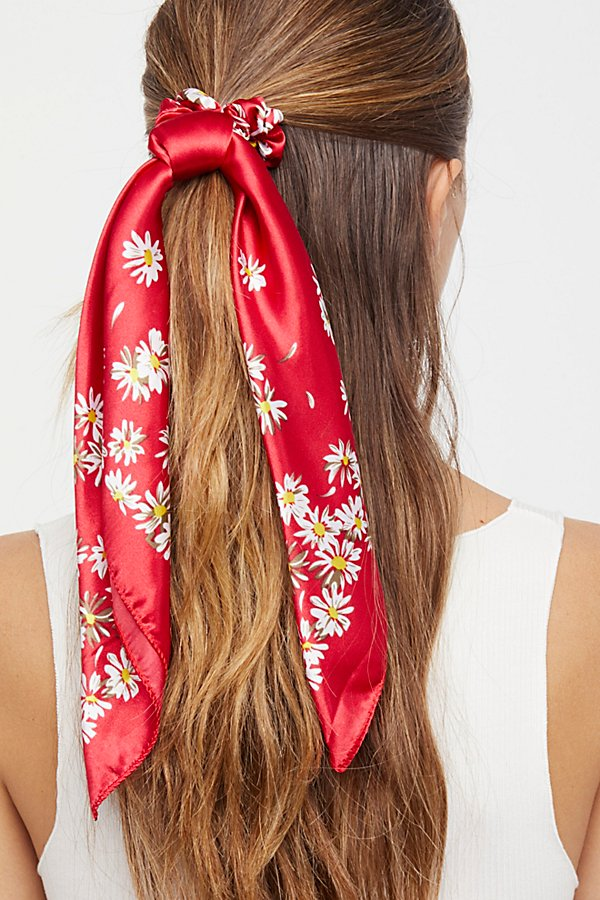 Slide View 2: Printed Scarf Pony