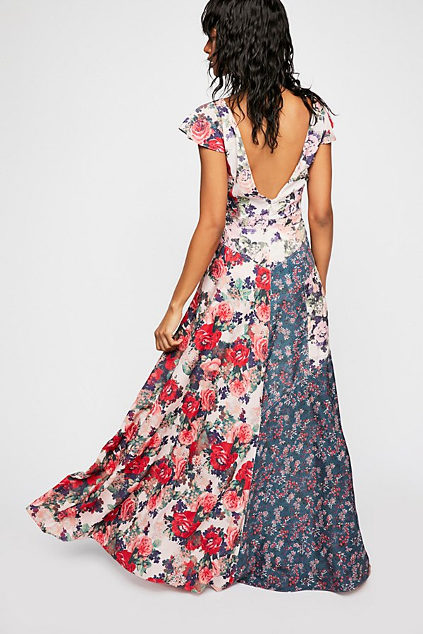 Slide View 3: La Fleur Maxi Dress