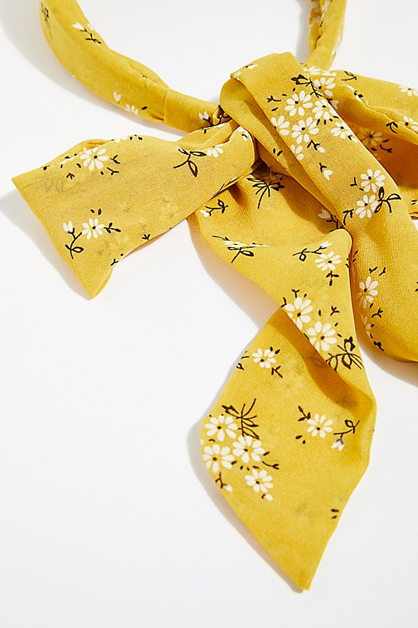 Slide View 4: Printed Chiffon Tie Back Headband