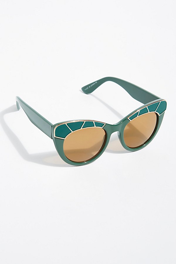 Slide View 2: Bella Vista Cat-Eye Sunnies