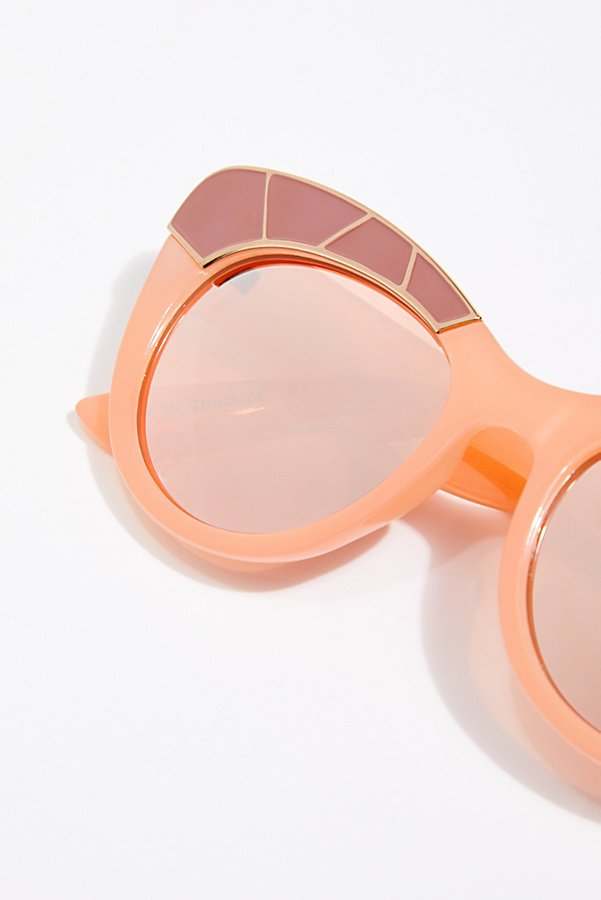 Slide View 3: Bella Vista Cat-Eye Sunglasses