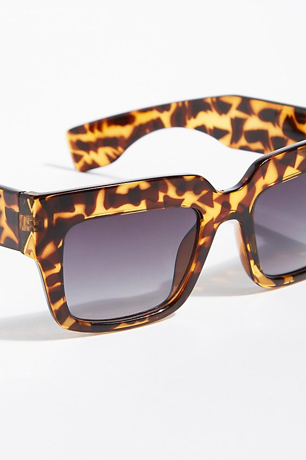 Slide View 3: SoHo Square Sunnies