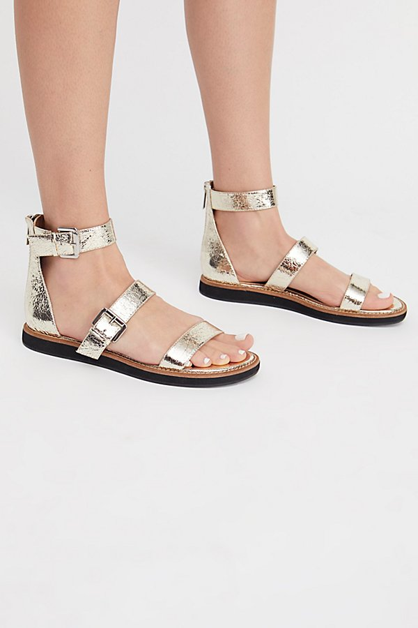 Slide View 2: Sparrow Sandal