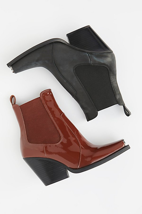 Slide View 1: Surrey Chelsea Boot