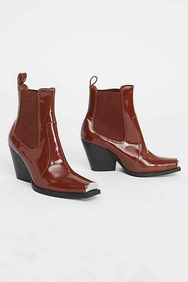 Slide View 2: Surrey Chelsea Boot