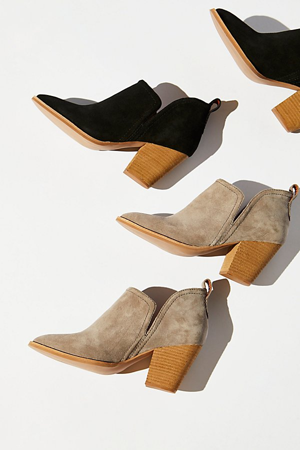 Slide View 1: Santiago Ankle Boot
