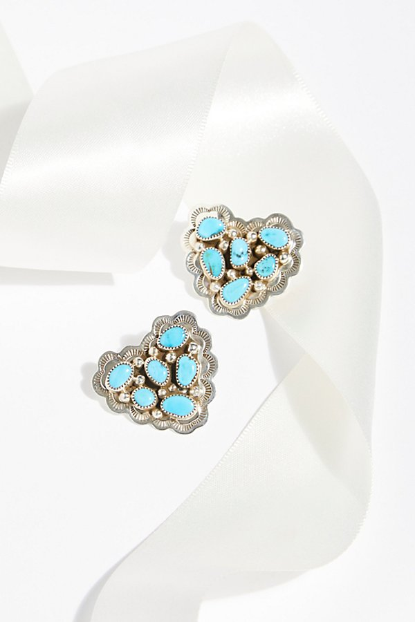 Slide View 1: Turquoise Cluster Heart Studs