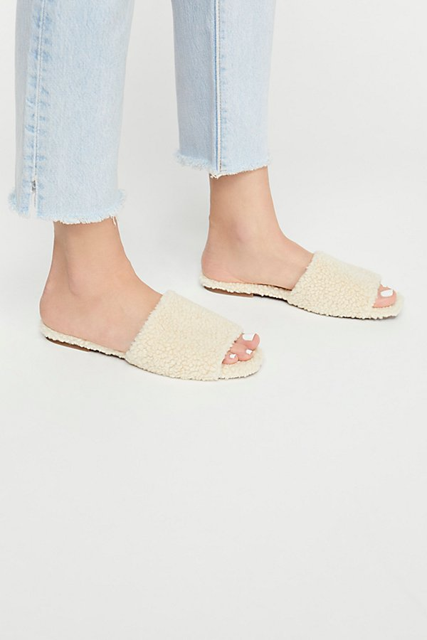 Slide View 2: Teddy Bear Slide Sandal
