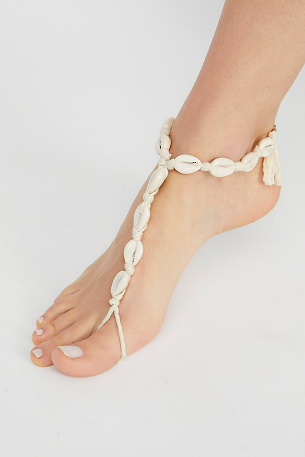 Slide View 2: Bondi Shell Anklet