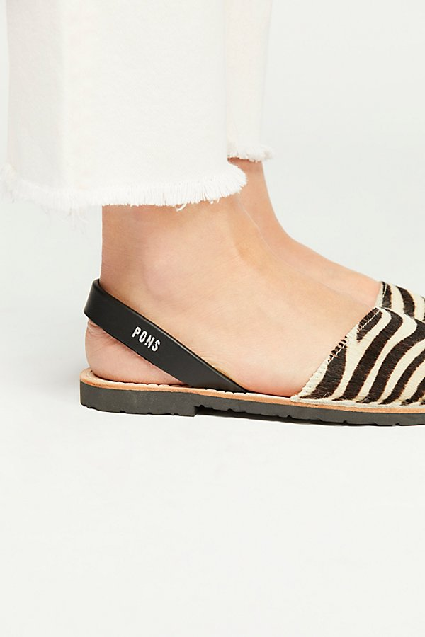 Slide View 3: Safari Sandal