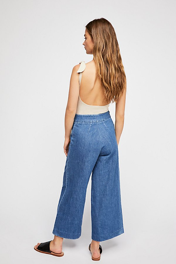 Slide View 2: Clean Wide-Leg Jeans