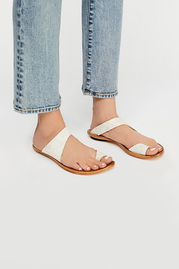 Slide View 2: Beach Trip Sandal
