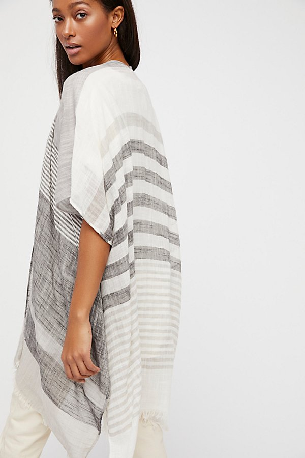 Slide View 3: Take Flight Stripe Kimono