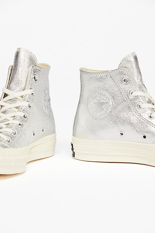 Slide View 4: Metallic Platform Hi Top Chuck