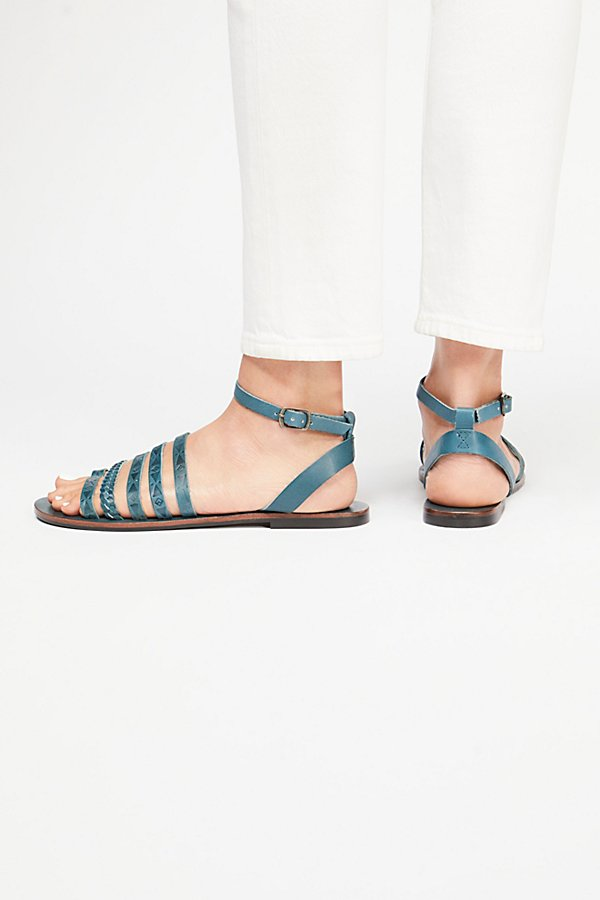 Slide View 4: Rory Sandal