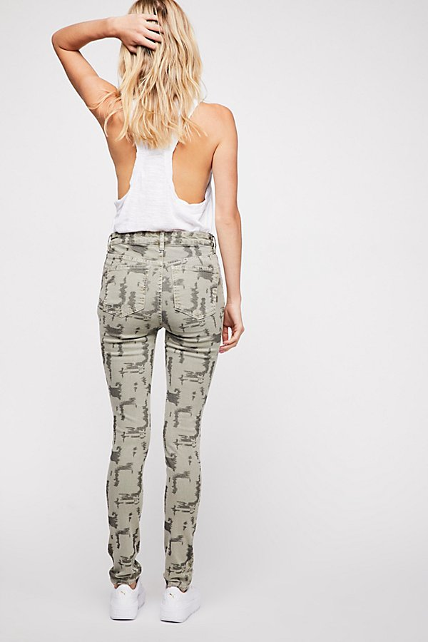 Slide View 3: Long and Lean Printed Jegging