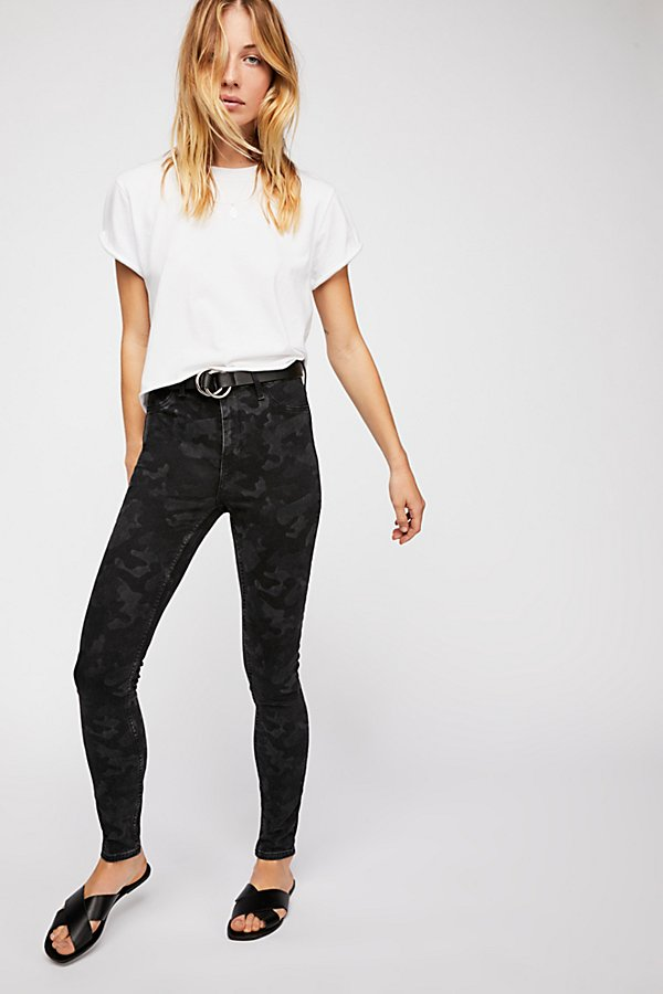 Slide View 1: Long and Lean Printed Jegging