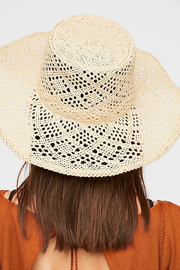 Slide View 4: Shadow Play Sun Freckle Straw Hat