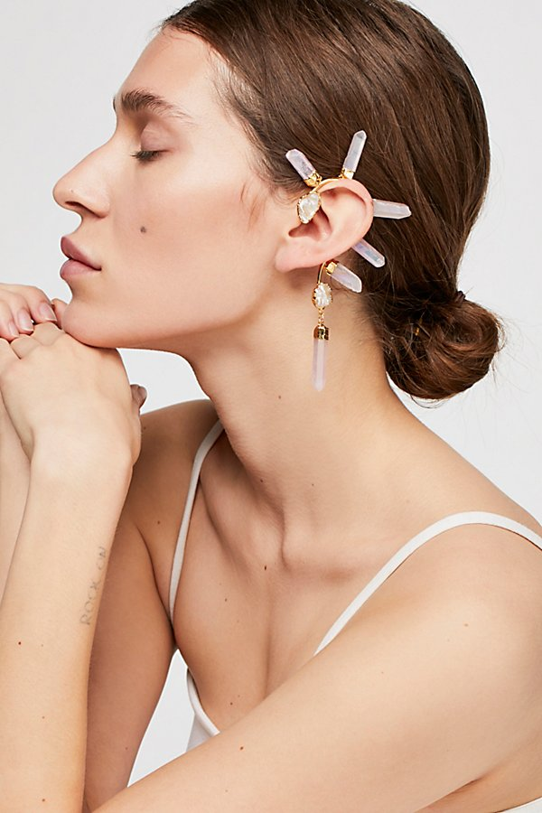 Slide View 3: Wild Ones Pearl Ear Cuff