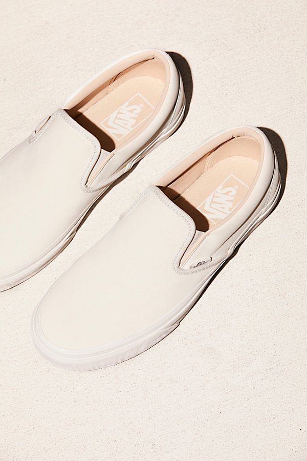 Slide View 1: Vansbuck Classic Slip-On