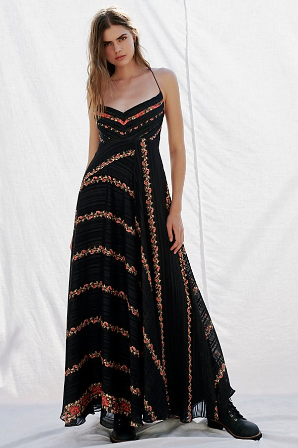 Slide View 1: Bella Maxi Dress