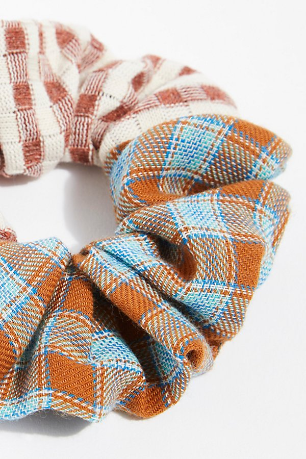 Slide View 3: Mix Plaid Scrunchie