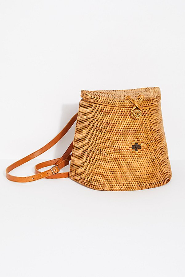 Slide View 2: Gili Basket Backpack
