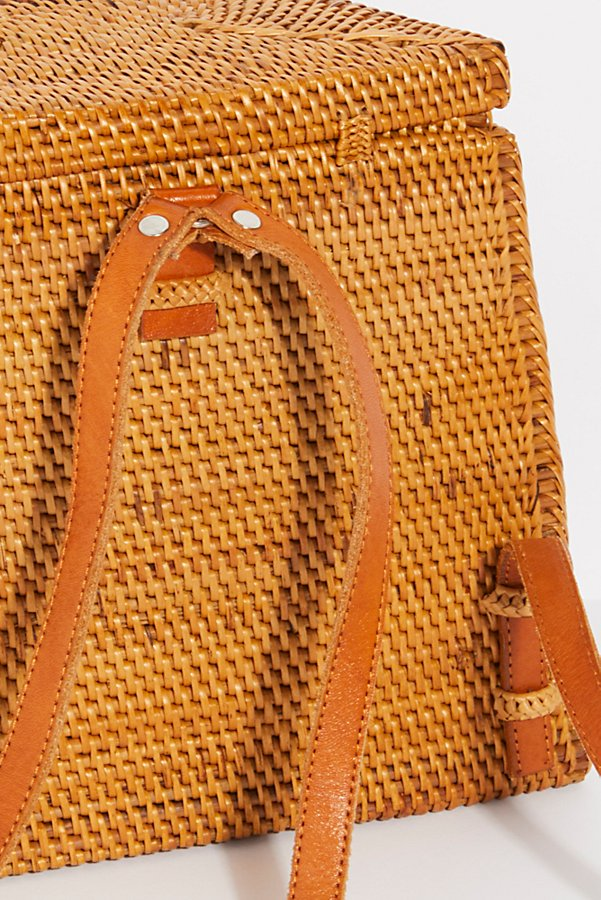 Slide View 5: Gili Basket Backpack