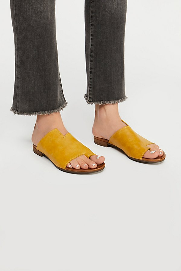 Slide View 2: Tulla Slide Sandal