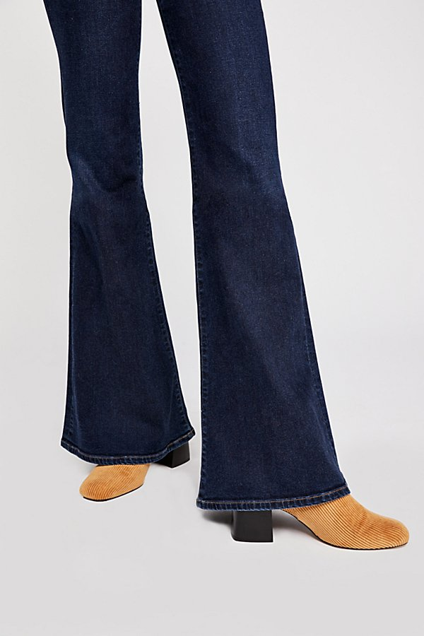Slide View 3: Citizens of Humanity Chloe Flare Jeans