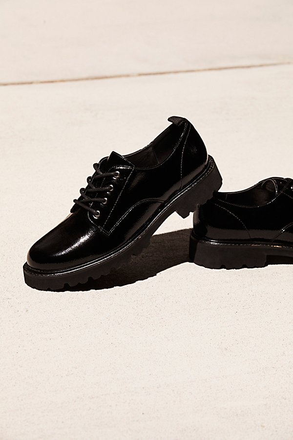 Slide View 1: Daze Lace-Up Menswear Oxford