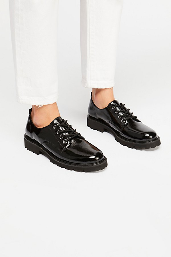 Slide View 2: Daze Lace-Up Menswear Oxford