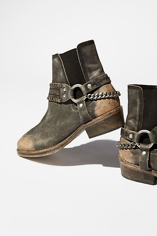 Slide View 1: Stony Desert Boot