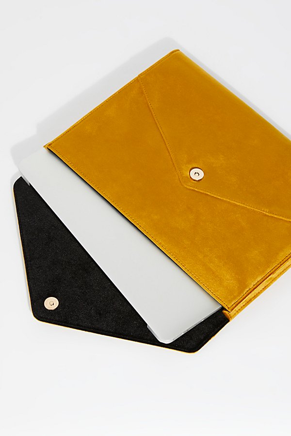 Slide View 1: Velvet Laptop Clutch