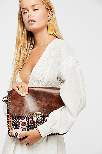 Mojave Embroidered Messenger