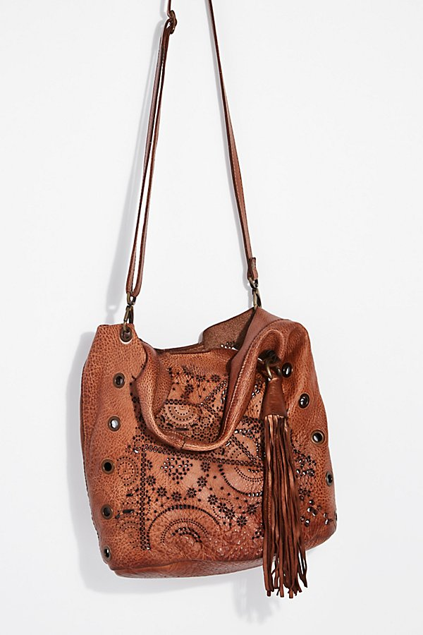 Slide View 4: Cascade Distressed Tote