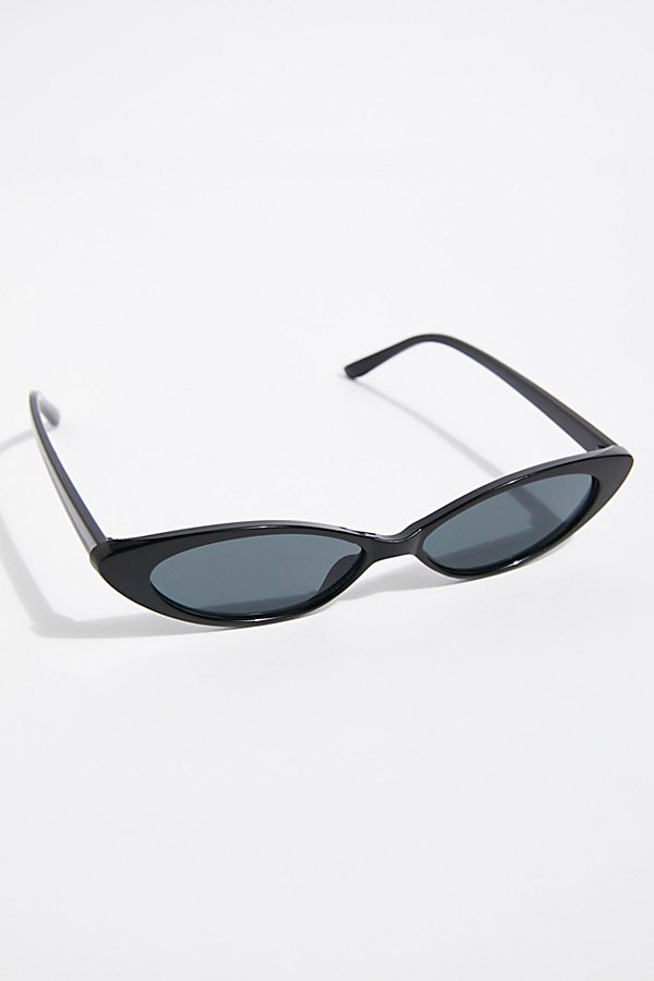 Slide View 2: Wild Thing Sunnies