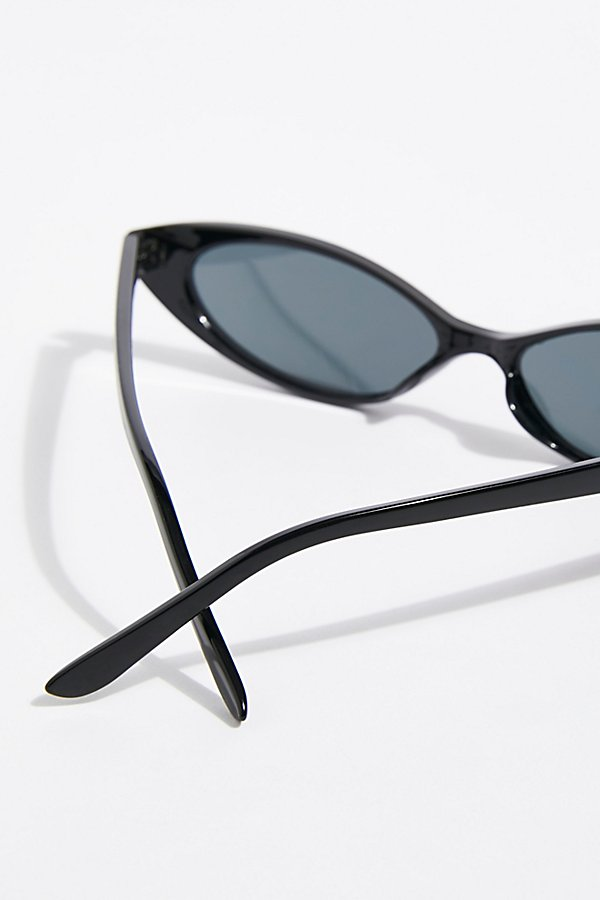 Slide View 4: Wild Thing Sunnies