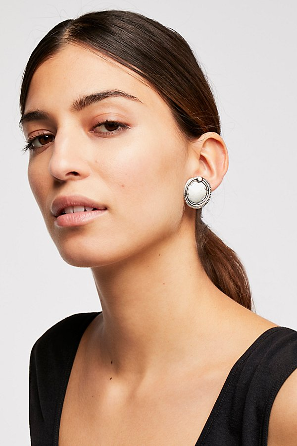 Slide View 1: Oversized Disc Stud Earrings