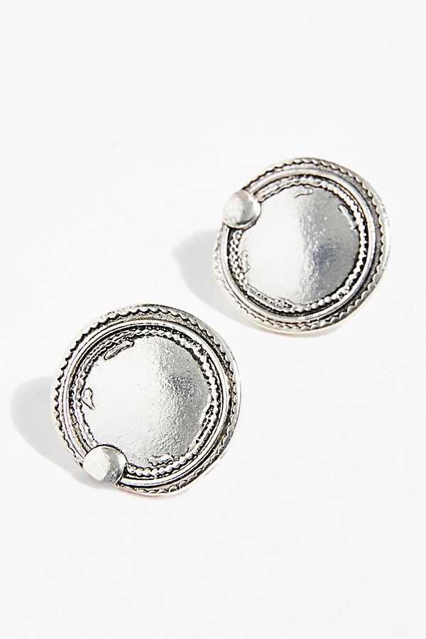 Slide View 3: Oversized Disc Stud Earrings