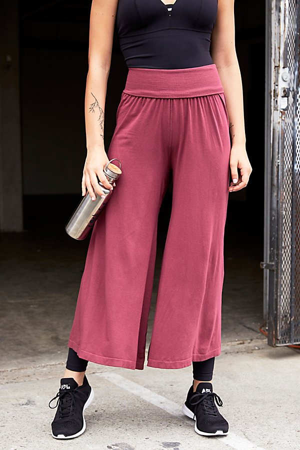 Slide View 2: Willow Wide-Leg Pant