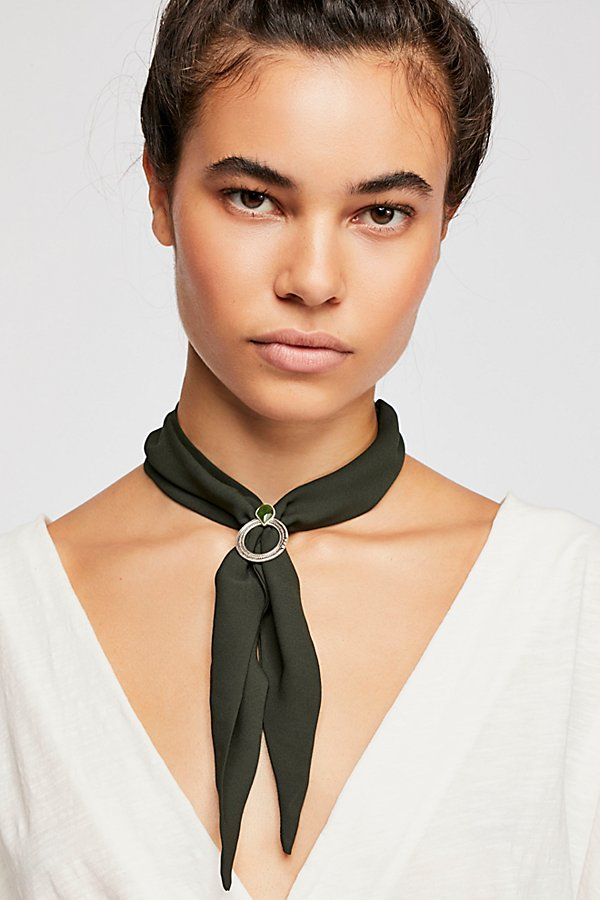 Slide View 1: In The Loop Scarf Necklace