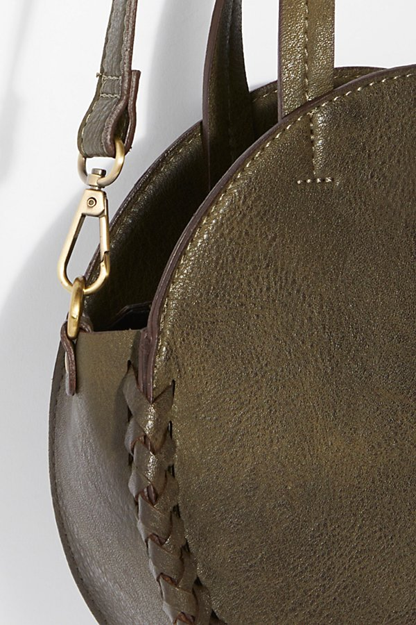 Slide View 3: Kelly Washed Crossbody