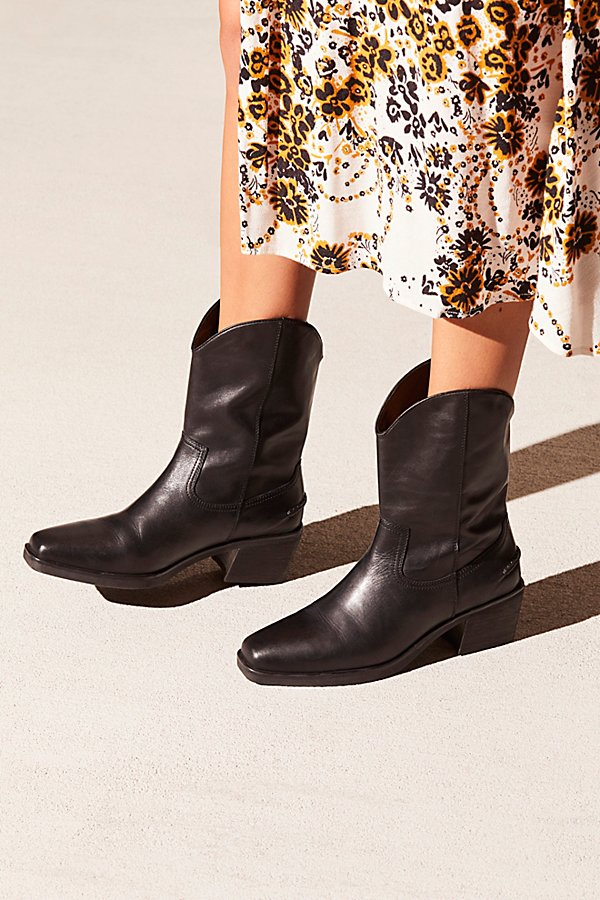Slide View 1: Wren Western Boot