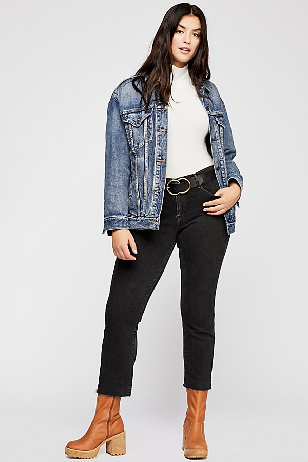 Slide View 1: Levi's Curvy Straight Crop Jeans