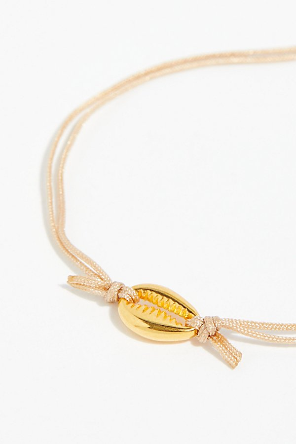 Slide View 3: Gold Shell Bracelet